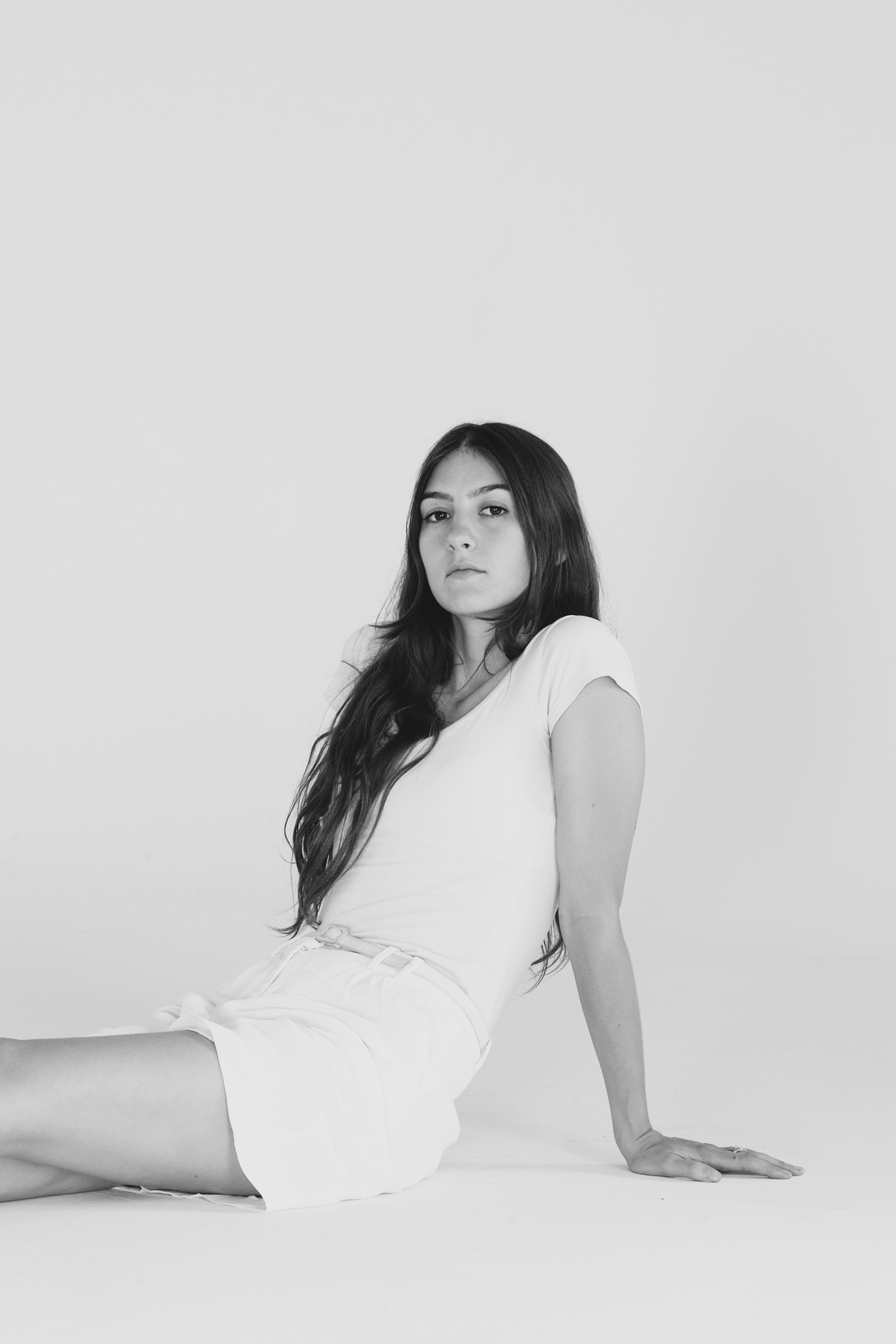 weyes blood unveils  album front row seat  earth shares video  fall
