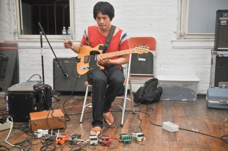 Dustin Wong can fly! Plus he just announced a new album, out on Thrill Jockey in February.