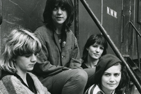 The Raincoats announce more US tourdates, but like in a really cool, down-to-earth way, you know?