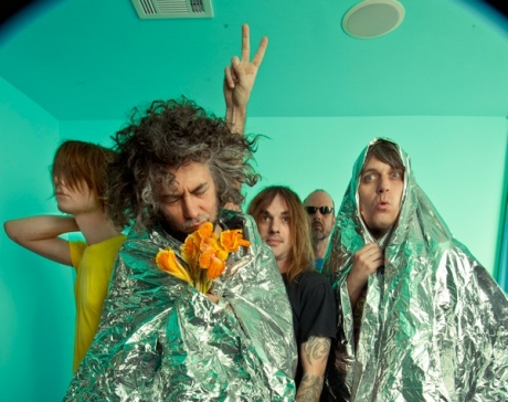 The Flaming Lips to release non-limited Heady Fwiends on June 26, hopefully follow it up with Footy Pawjamas LPs soon