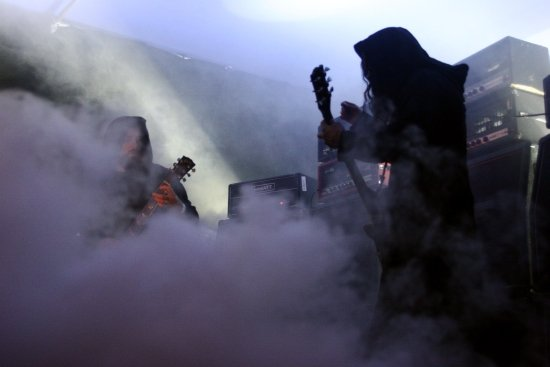sunn 0))) announce West Coast tour, traveling in a cloud of smoke and skulls and holiday cheer