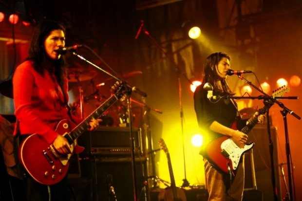 The Breeders announce 20th anniversary tour for Last Splash so that it can make its last cash