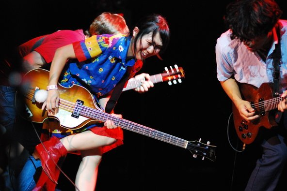 Deerhoof announce classical music performances in NYC and Adelaide; Satomi swanks up her animal heads in preparation