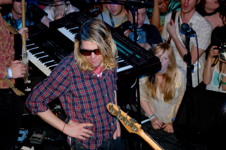Ariel Pink announces US tourdates, gets to play music in a cemetery; the hell are you doing with YOUR life, huh?