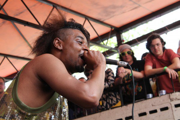 "Danny Brown takes ""Old & Reckless"" tour to Europe, perpetuates the most entertaining mid-life crisis, like, ever"
