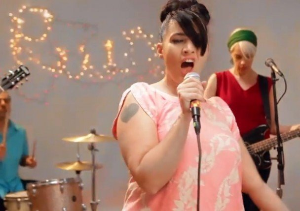 Kathleen Hanna and The Julie Ruin announce Run Fast LP, doubling as a minimal guide to the 100 meter dash