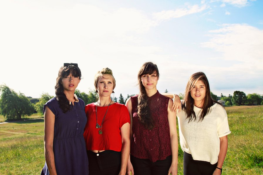 Ultra-cool surf ladies La Luz cancel tour with of Montreal due to nasty van accident; help them!