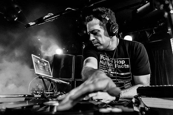 DJ Z-Trip - BBC Radio 1Xtra Hip Hop Takeover Mix   LISTEN