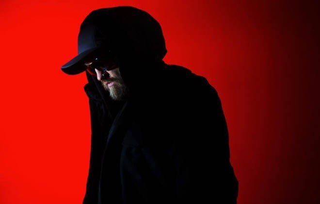 "The Bug, trying to not be known as ""the guy who broke dubstep"" anymore, recruits a slew of cool people to collaborate on his new album Angels & Devils"