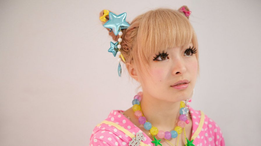 Kyary Pamyu Pamyu reaches 2.2 billion video views, turns 21; celebrates by trouncing Daft Punk and Beyonce while announcing new album