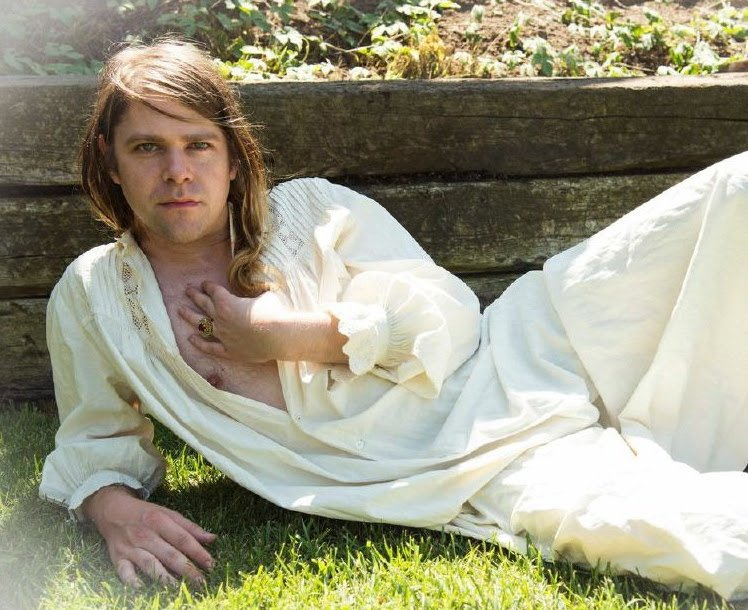 "Ariel Pink announces new ""solo"" double album pom pom, sits back and waits for his Grammy"