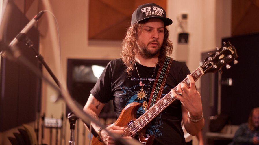"King Tuff plots 2015 tour dates and shares Sirius XMU session, ""It's Tuff to Be Sirius"""