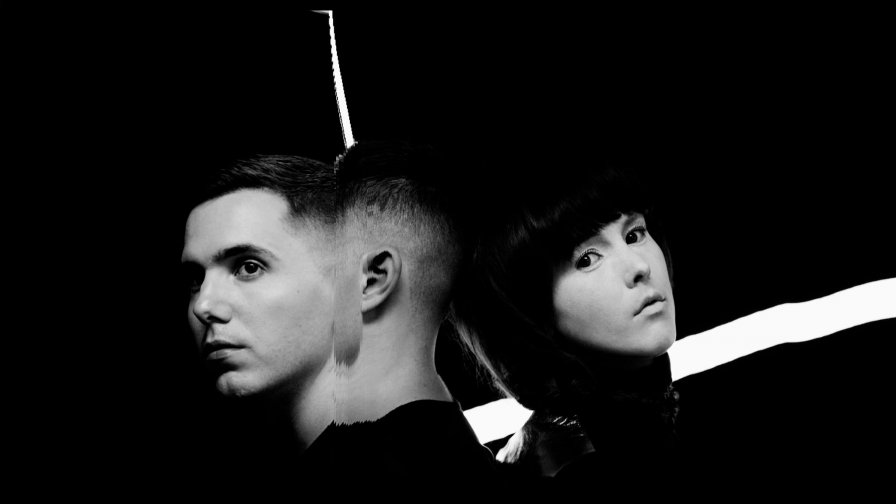 Purity Ring bring beach witchy vibes to the world this summer on epic tour