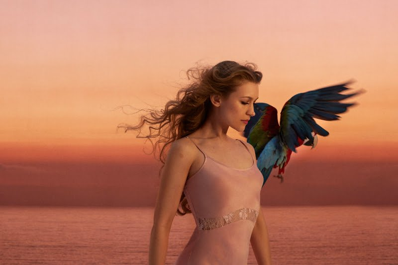 Joanna Newsom unveils new album, Divers, debuts video, showcases the fall fashions way ahead of Urban Outfitters