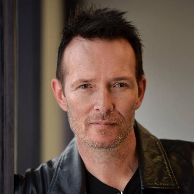 RIP: Scott Weiland of Stone Temple Pilots and Velvet Revolver
