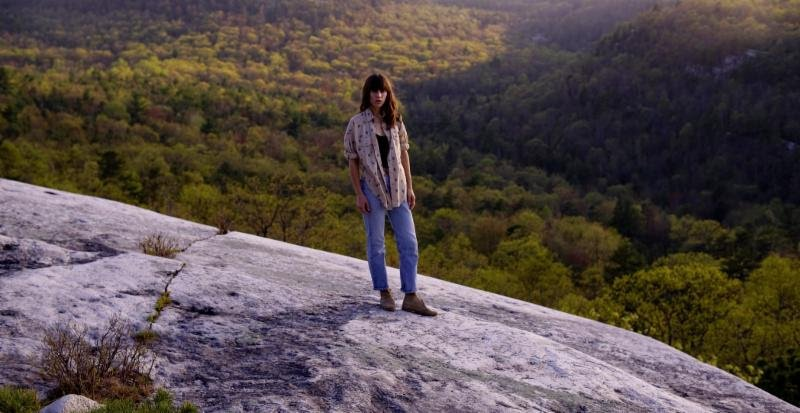 "Eleanor Friedberger announces spring tour, shares ""Sweetest Girl"" video"