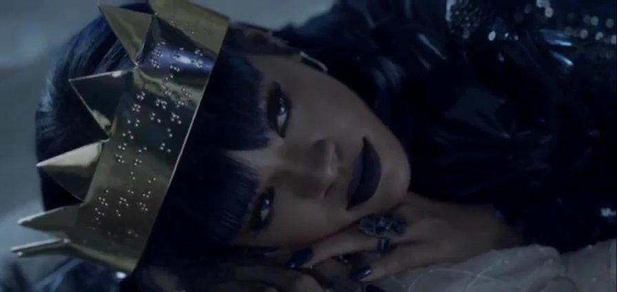 Rihanna's ANTI finally released