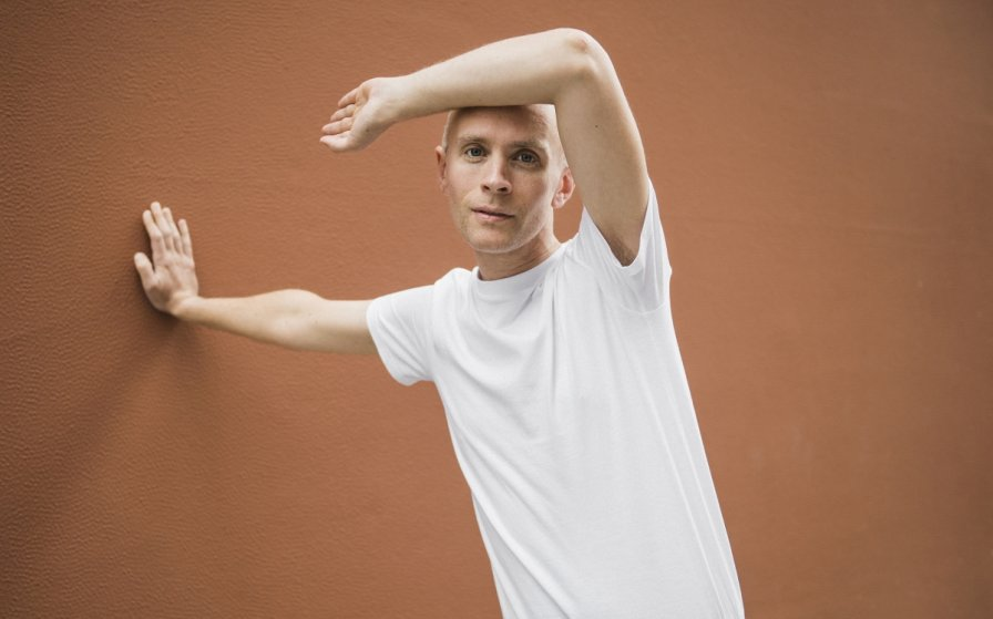 Jens Lekman breaks his trademark oh-so-silence to announce new album, share single, and tour
