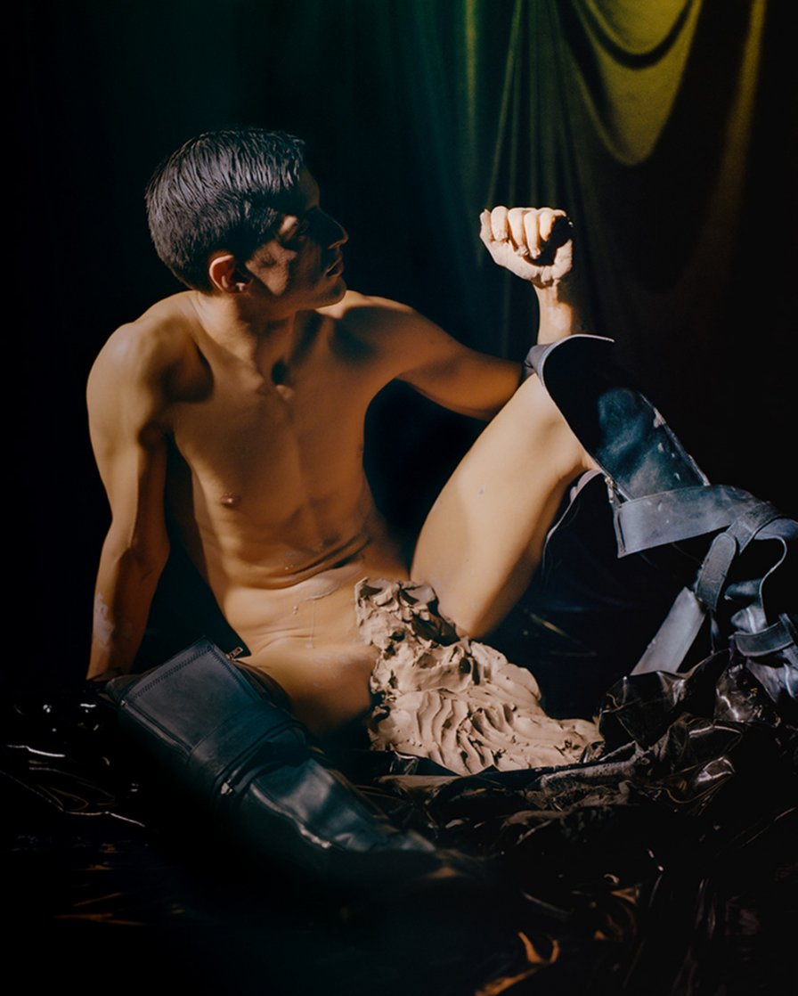 """Arca announces self-titled album on XL Recordings, shares new track """"Piel"""""""