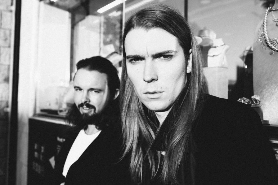 Alex Cameron forces us to witness his new album, coincidentally titled Forced Witness