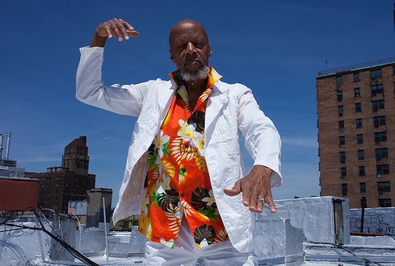 Ambient hall-of-famer Laraaji announces new album, new EP, and perfect Brian Eno haircut