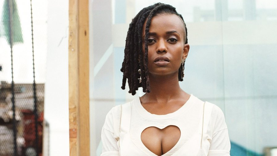 "Kelela returns with debut full-length this October, shares new video ""LMK"" to let you know about it"