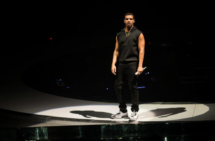 "Drake to bring ""Boy Meets World"" tour to Australia and New Zealand this November — cuz let's face it: if anyone deserves TWO summers, it's Drake!)"