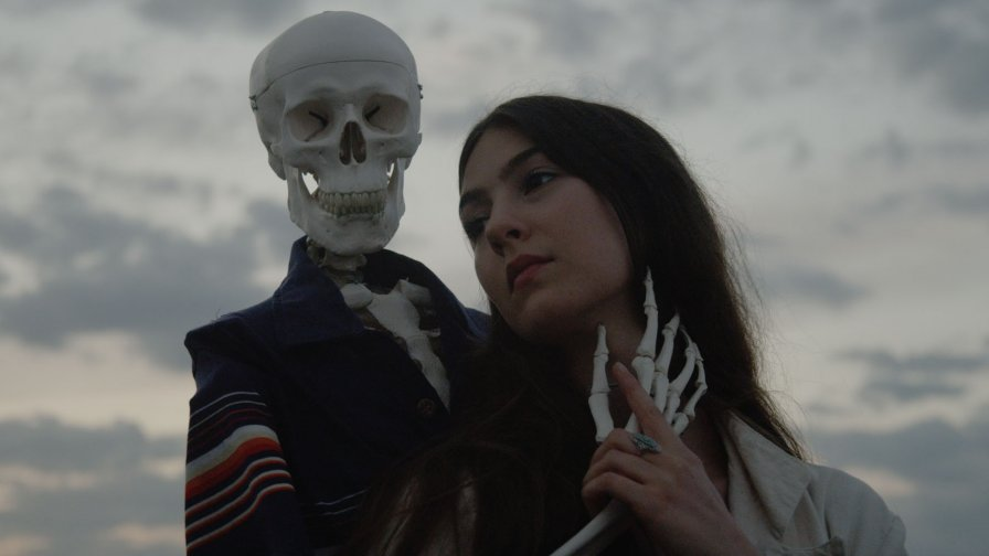 Weyes Blood sneaks off with Sub Pop for forthcoming album, bunks (platonically) with Father John Misty on fall tour in the meantime