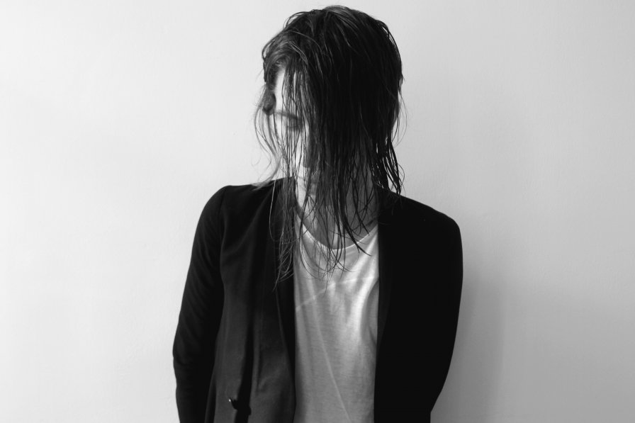 """Belgian producer Obsequies announces debut EP Organn on Knives, premieres new track """"Languish"""""""
