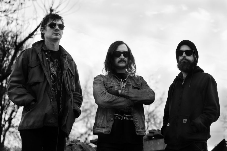"Mammoth Grinder execute the death metal triple treat: announce release of Cosmic Crypt album, share first single ""Superior Firepower,"" and reveal 2018 tour dates"