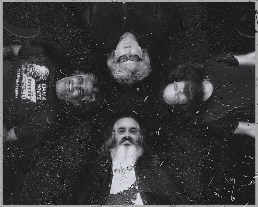 """Wooden Shjips sail back into town with new album, V., share first single """"Staring At The Sun"""""""