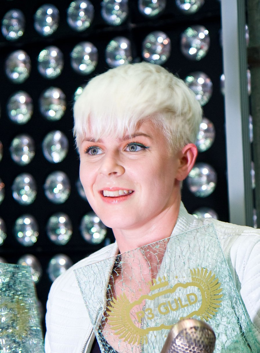 Robyn says on Twitter that her long-anticipated new album will come out this year, and Twitter is forever!