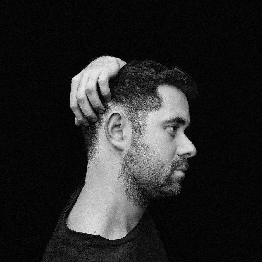 """Canadian pianist and composer Jean-Michel Blais announces new album Dans ma main, streams purely-emotional new track """"outsiders"""" on TMT"""