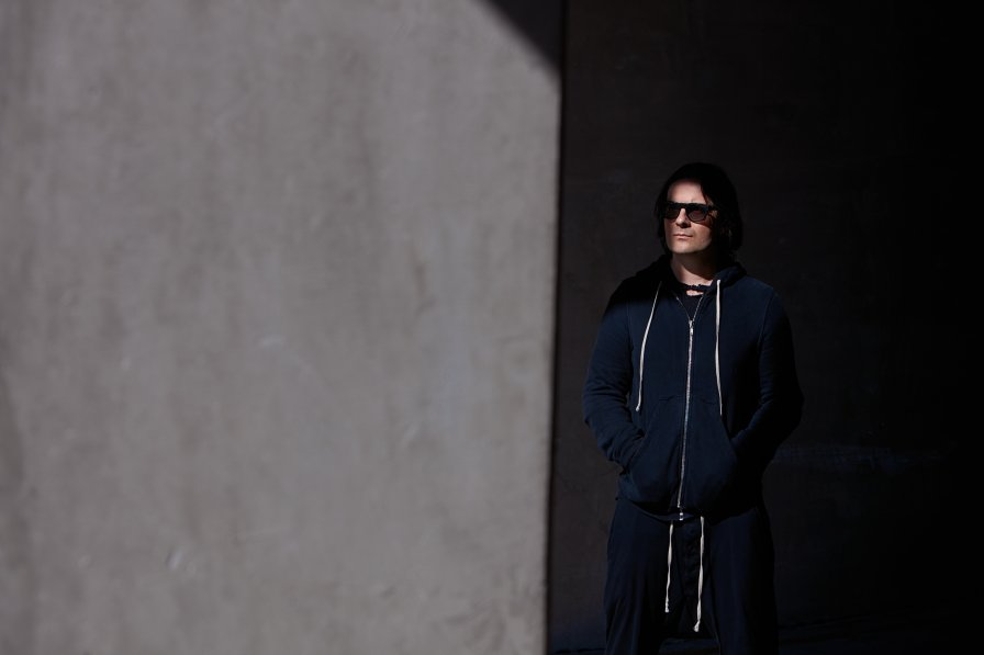 "SONOIO (Nine Inch Nails' Alessandro Cortini) announces final album Fine, shares video for ""Thanks For Calling"" as if that makes up for it"