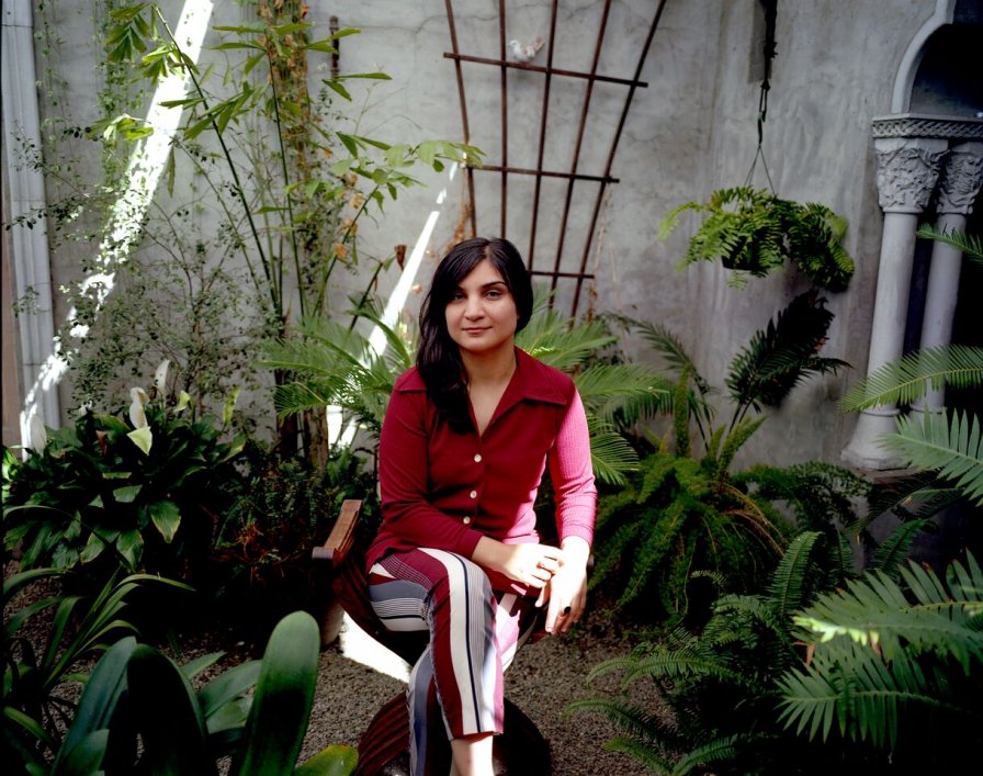 "Sarah Davachi very, very softly and quietly returns with new album Gave In Rest, shares new track ""Evensong"""
