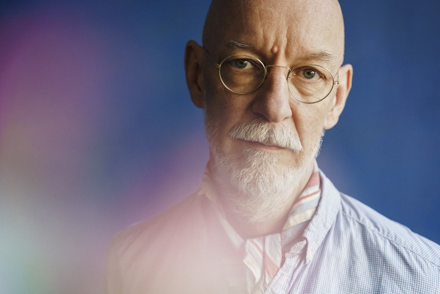 Thomas Fehlmann (The Orb) lowers his techno inhibitions, makes out with Los Lagos, his upcoming release on Kompakt
