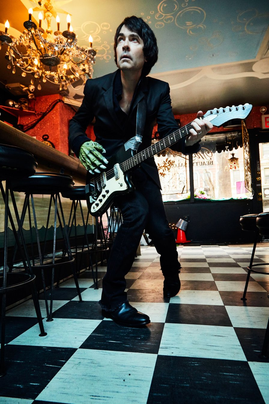 Jon Spencer detonates new explosion of blues with his first EVER solo album Spencer Sings the Hits