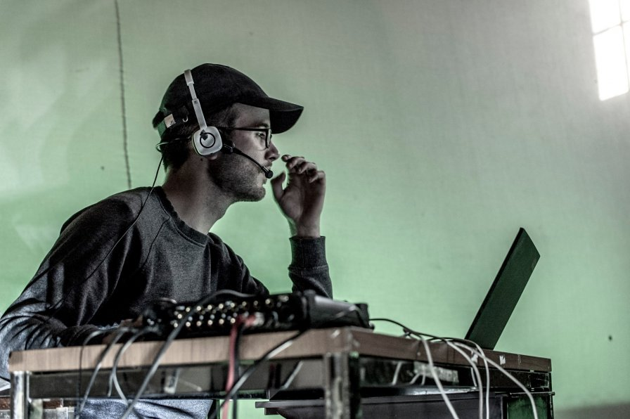 Sam Kidel spars with our surveilling tech overlords, preps new album Silicon Ear on Latency