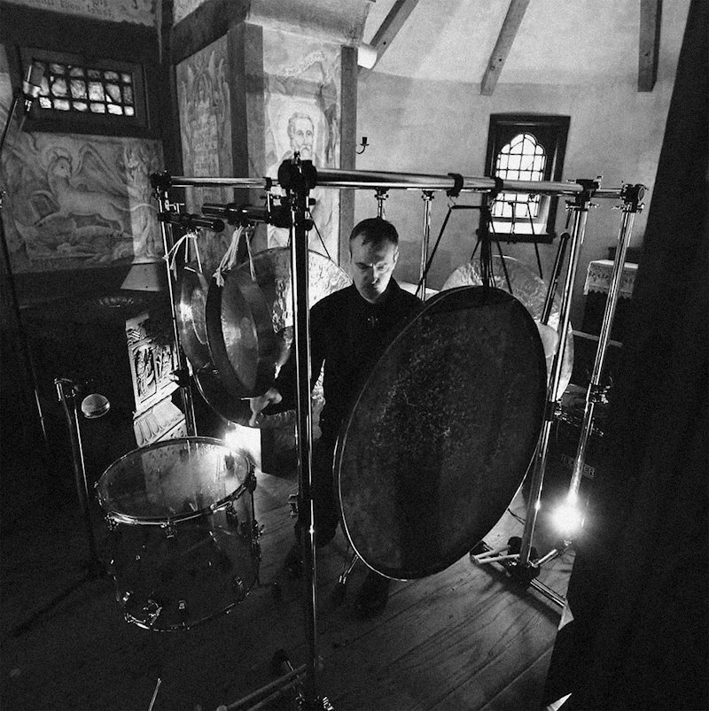 Experimental percussionist Jon Mueller announces new album Canto on SIGE