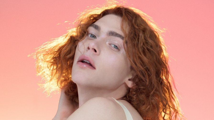 SOPHIE shares non-stop remix albums of OIL OF EVERY PEARL'S UN-INSIDES for FREE