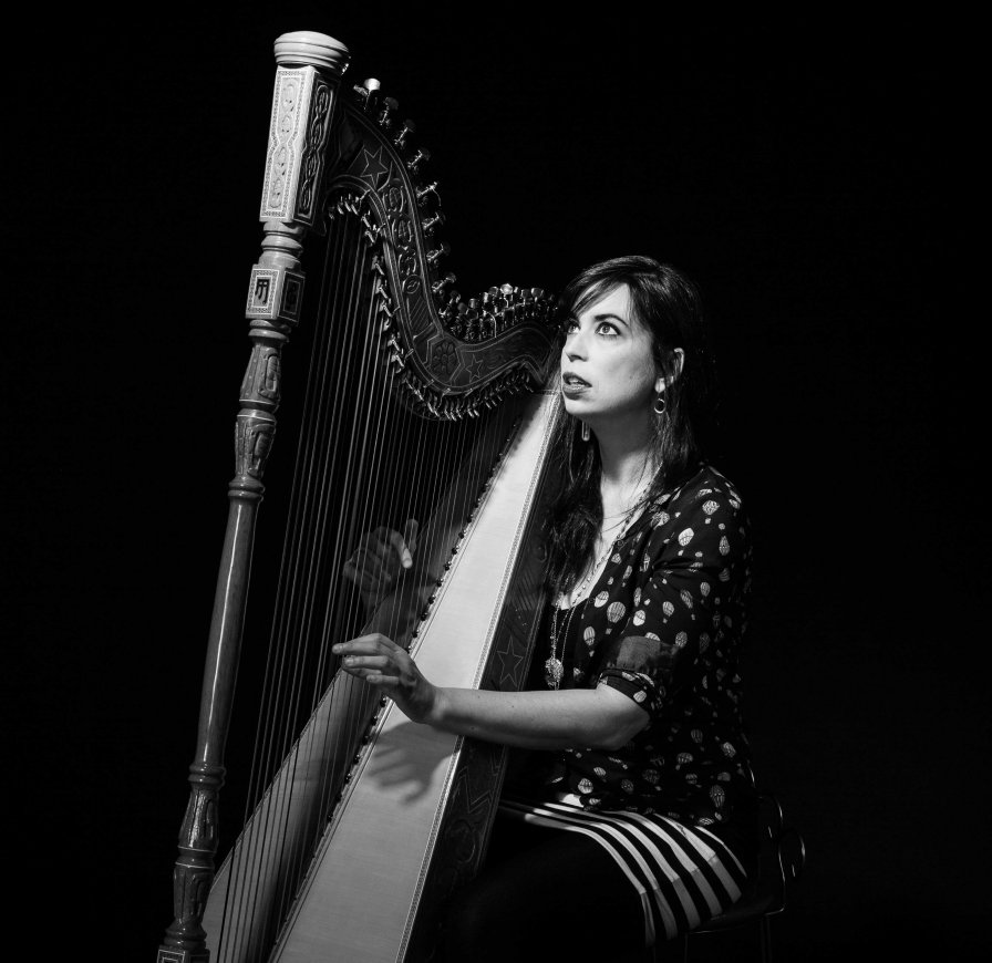 "Harpist Sarah Pagé announces Dose Curves LP, shares experimental new single and video entitled ""Lithium Taper"""