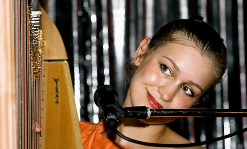 Joanna Newsom accidentally tours western US after missing that left turn at Albuquerque