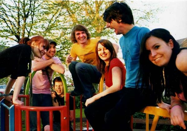 Los Campesinos! schedule fall tour even though like 900 other bands already had that idea