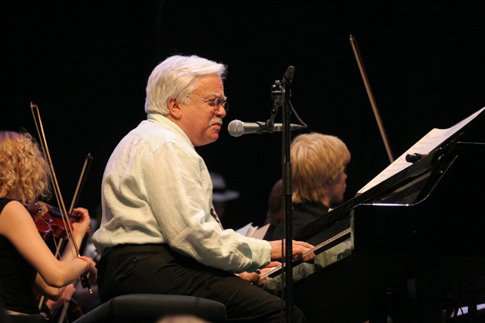 Van Dyke Parks (yes, the one who hasn't released any new music in over 15 years) launches 7-inch series