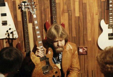 RIP: Travis Bean, legendary guitar maker