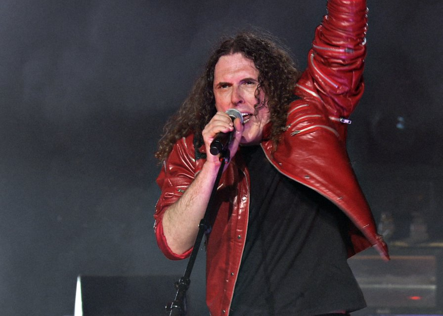 """""""Weird Al"""" Yankovic announces Comedy Central live concert special and DVD. HAHAHAHAHA. I love it when things get parodied!"""