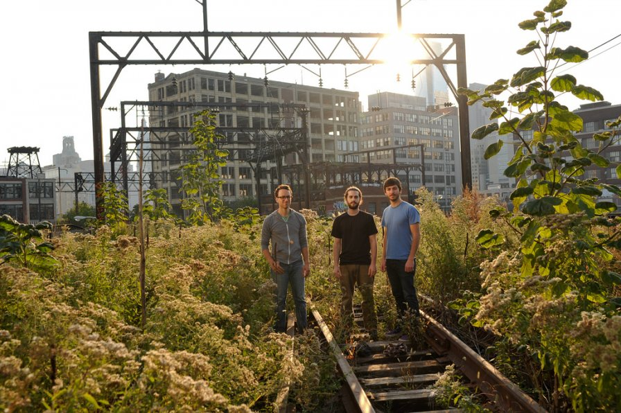Many Arms sign to Tzadik, release new album in 2012, use one of their arms to choke you