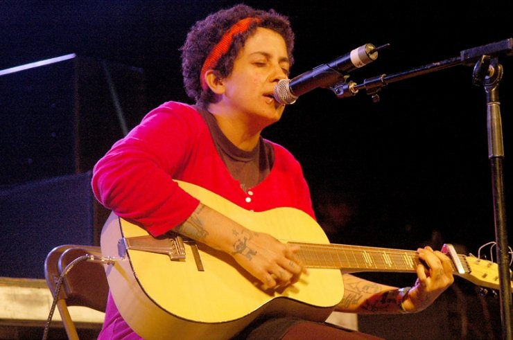 Kimya Dawson tours the US, hippity hoppity, do do n' doo, and a cherry on top!