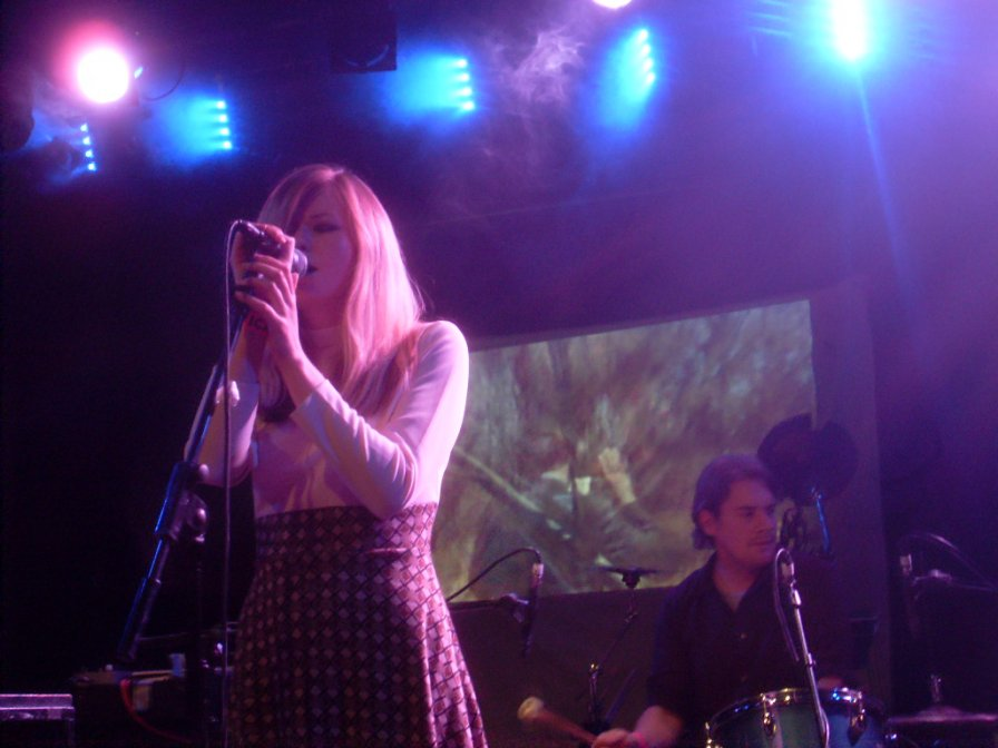 Still Corners tour Europe even though it's the dead of winter, god bless 'em