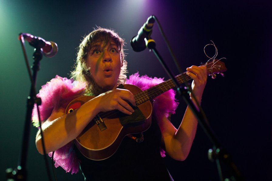 tUnE-yArDs announce summer tour WHAT'S THAT ABOUT WHAT'S THAT ABOUT